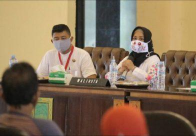 Mampu Bertahan Tren Positif Pertumbuhan Ekonomi di Masa Pandemi, Ning Ita Lirik PDRB di Kabupaten-Kota Provinsi Papua Barat