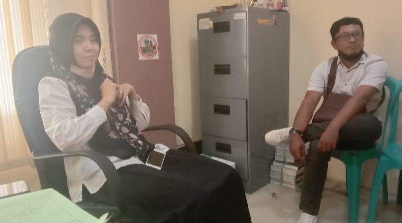 Diduga Sering Lembur Malam, Pegawai Perempuan Berparas Cantik Kantor Kec.Sooko Jadi Omongan Masyarakat