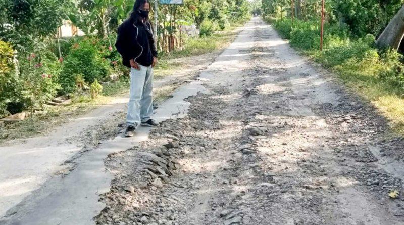 Jalan Rusak Tak Kunjung Diperbaiki, Warga Desa Blitaran Sukomoro Nganjuk Mengeluh