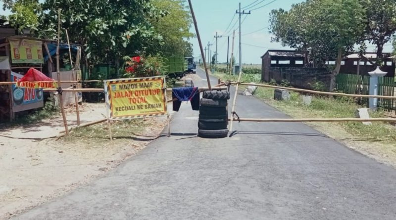 Adanya Proyek Aspal Jalan di Dusun Ganggangmalang Sumengko Nganjuk, Warga Merasa Dirugikan